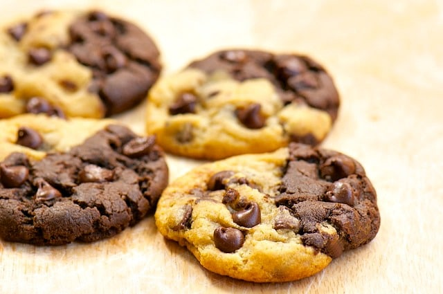 Black And White Chocolate Chip Macadamia Nut Cookies Thick And Chewy ...