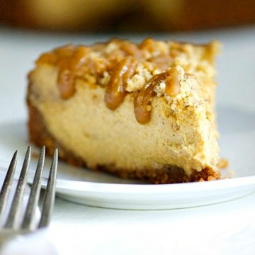 Vegan Pumpkin Cheesecake with Caramel Sauce