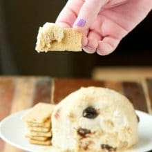 Serve this Cherry Cheesecake Vegan Cheeseball with graham crackers for the perfect bite