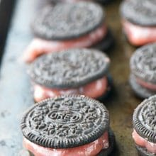 Drunken Oreos are going to be our favorite Valentine's Day Treat!