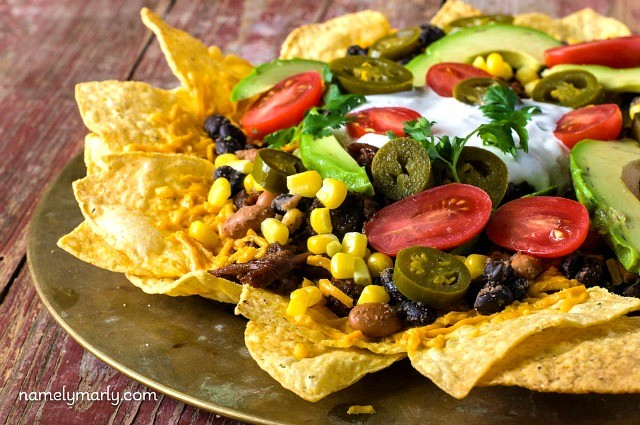 Easy Vegan Loaded Nachos with Bulgogi Jackfruit and lots of delicious toppings!