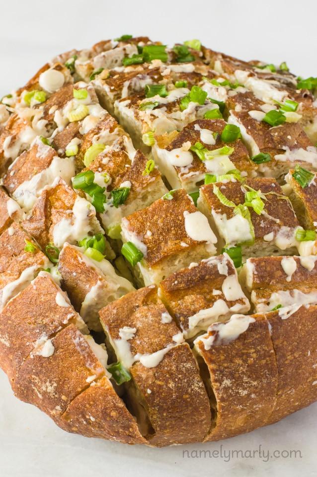 Vegan Cheesy Pull-Apart Bread