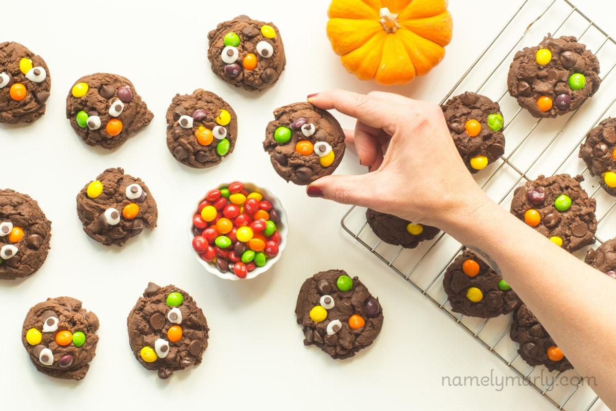 Monster Halloween Cookies: Vegan Halloween Monster Cookies