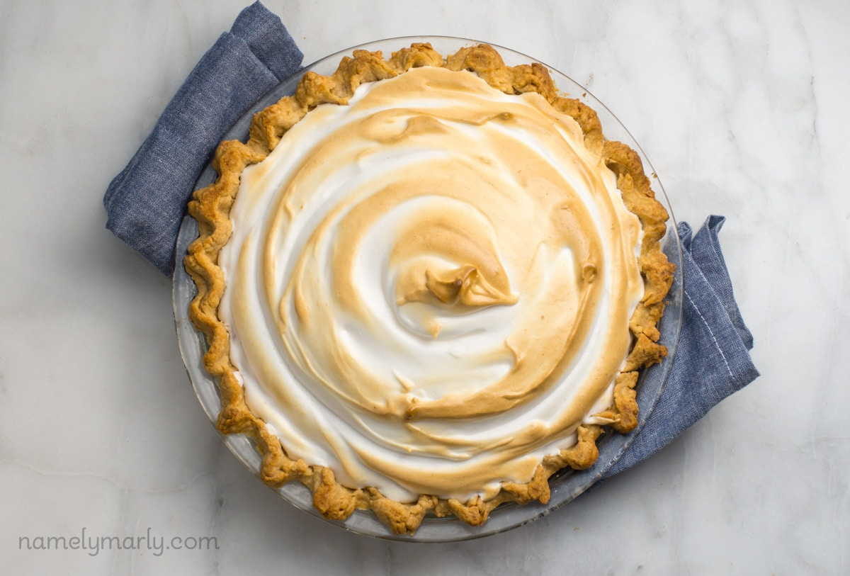 The most beautiful pie in the word - Vegan Chocolate Meringue Pie