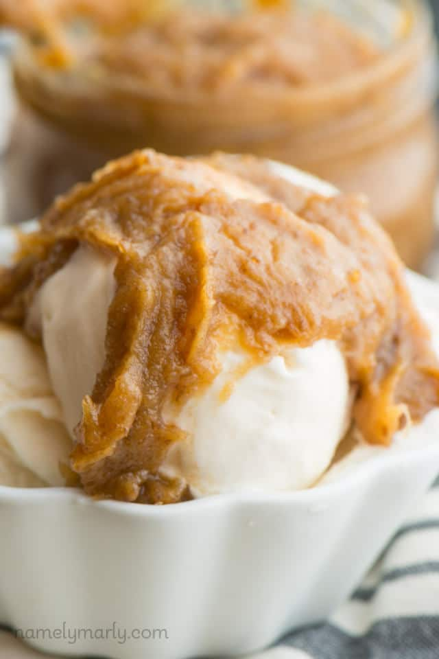 Vegan Caramel Date Sauce is super easy to make and is a raw, vegan, healthy sweet dessert!