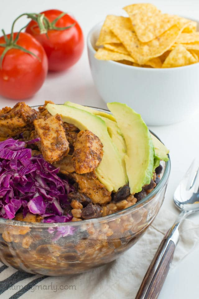 There's just the right amount of spicy in this Vegan Enchilada Bowl with Brown Rice, but also a lot of healthy goodness to go around too. Enjoy this power bowl for your next lunch, dinner, or snack!