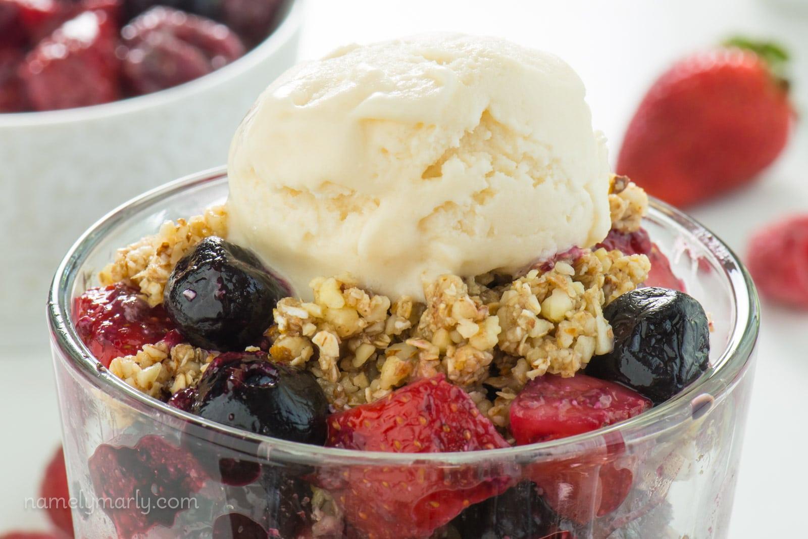 Vegan No-Bake Cherry Fruit Crisp