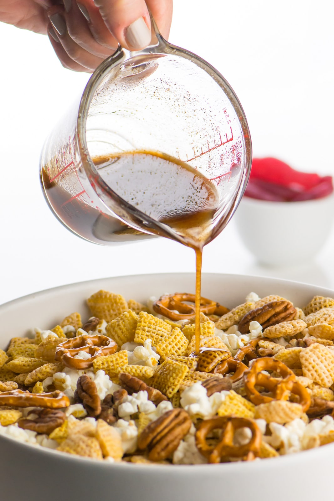 This vegan pumpkin-spiced snack mix is so easy to make!